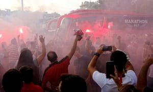 Sevilla arrive.