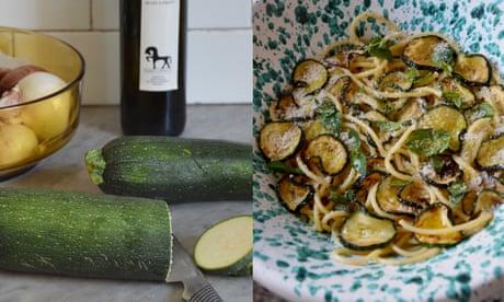 A Sicilian recipe for spaghetti with courgette, mint and pecorino