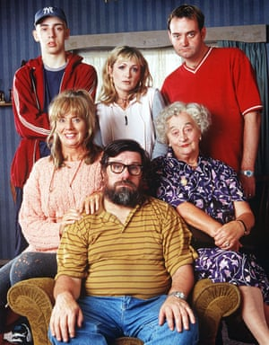 The Royle Family - 1998 - Liz Smith, centre right, with Ralf Little, Caroline Aherne and Craig Cash, Sue Johnston and Ricky Tomlinson.