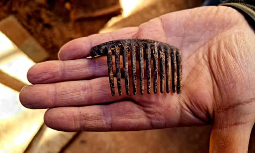 A comb found during the exhumation, believed to belong to María Domínguez Remón, first female mayor of Spain's second republic.