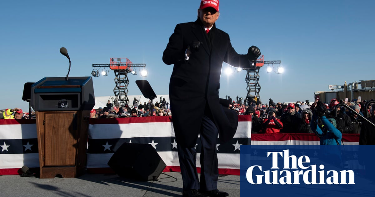 Trump to hold Iowa rally as poll shows strong approval ratings