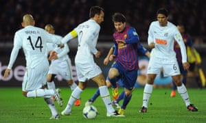 866693157b2 Lionel Messi, not known as a diver, dribbles past his Brazilian opponents  in the