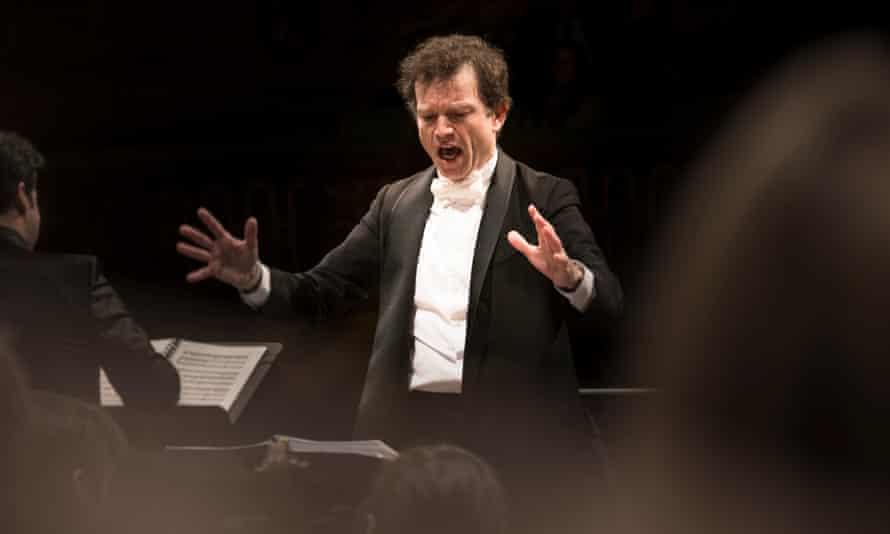 Christophe Rousset conducting Les Talens Lyriques..