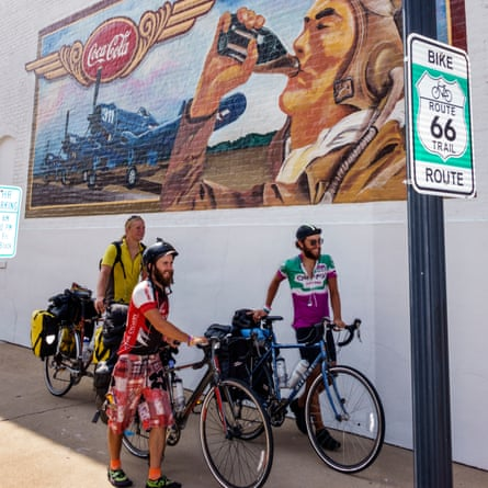 Cyclists on Route 66