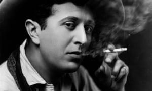 EE Cummings smoking in 1920.
