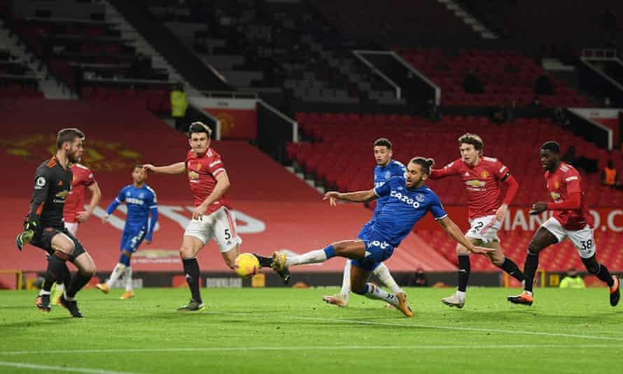 dominic calvert-lewin, everton'un geç kalan ekolayzırını atarak manchester united'da 3-3 berabere kaldı.