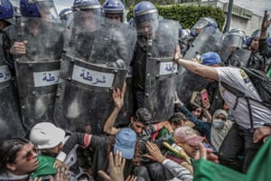 First Prize, spot news, dingles | World Press Photo of the year nominee | Clash with the Police During an Anti-government Demonstration | Farouk Batiche, Algeria