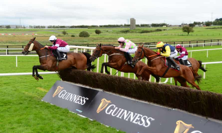 2nd Lieutenant (left) leads the way at Leopardstown in July 2020