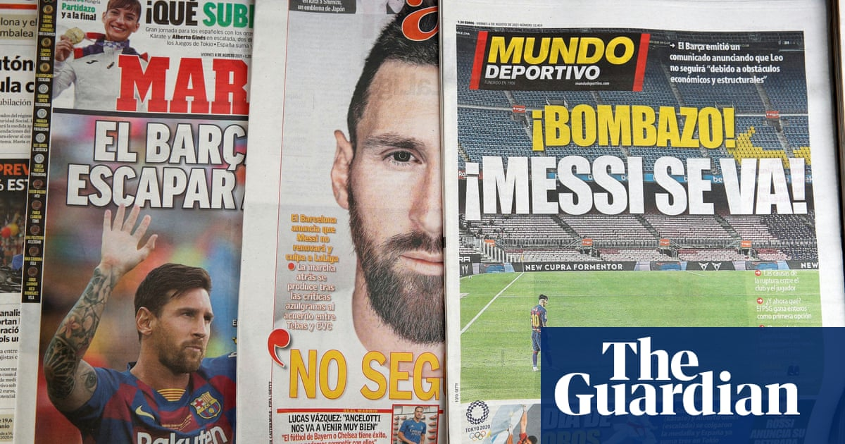 PSG to pursue Lionel Messi signing after forward contacts Pochettino