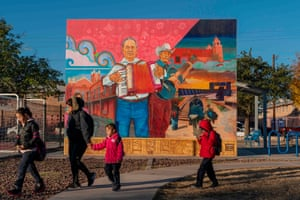 A mural celebrating the music and struggles of people in El Segundo Barrio