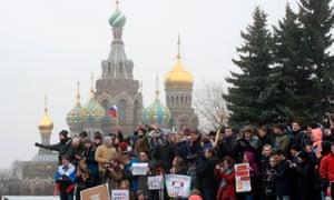 反对派支持者周日集会圣彼得堡。
