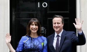 David Cameron and his wife Samantha return to Number 10 Downing Street