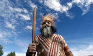 Un nuevo análisis de la población de los australianos y papúes indígenas muestra que pueden remontar sus orígenes a las primeras llegadas al continente hace unos 50.000 años.