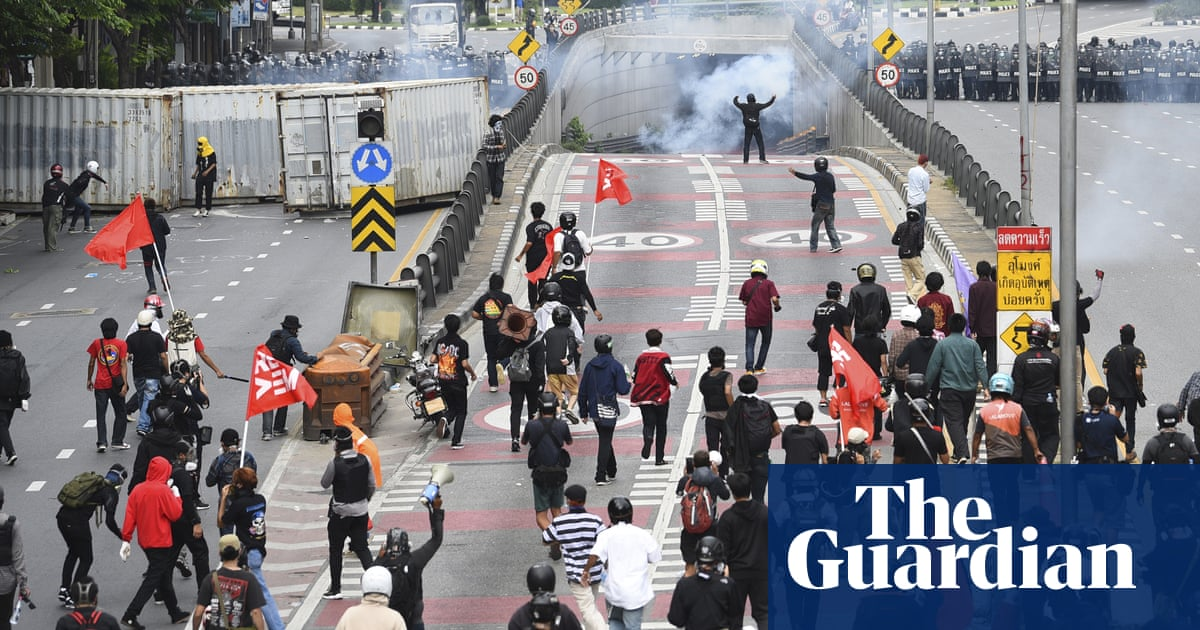 Thailand protesters clash with riot police over handling of Covid