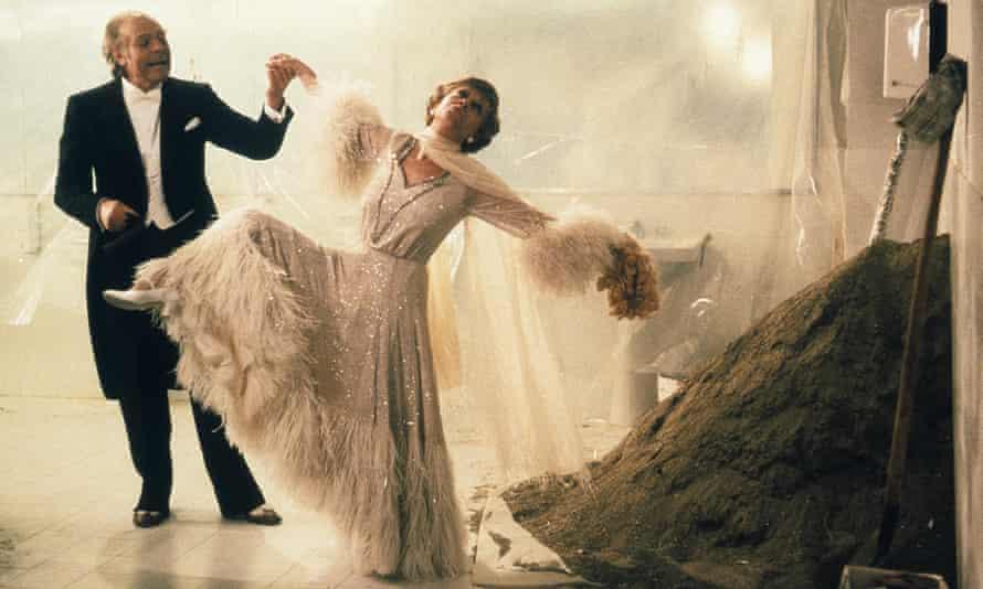 Marcello Mastroianni and Giulietta Masina in Ginger and Fred