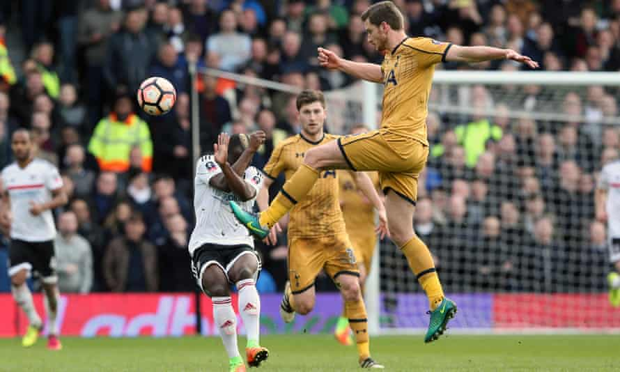 Tottenham's Jan Vertonghen clears the ball as as Neeskens Kebano of Fulham takes evasive action during the FA Cup tie.