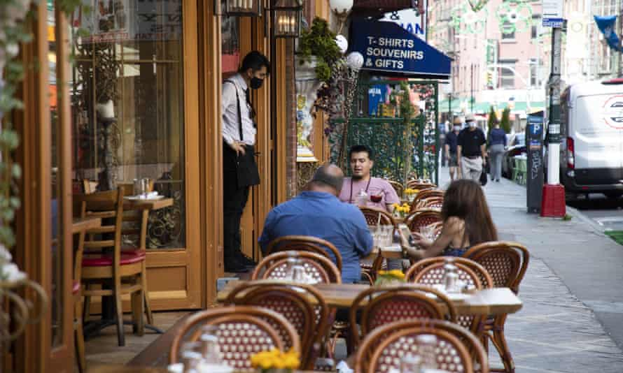 Since 22 June, New York City restaurants have been allowed to serve people again in outdoor settings. But outdoor diners have experienced unexpected companions.