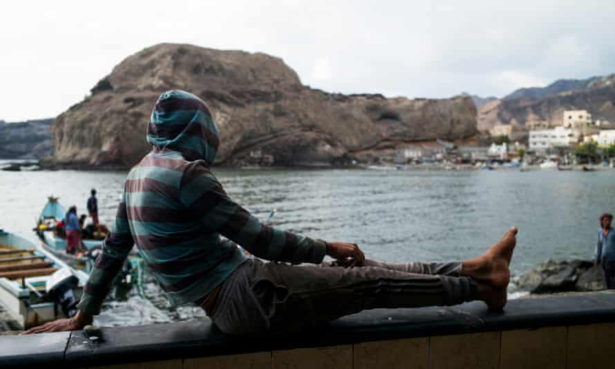 Fishermen in Aden, after months of war and siege the city is returning back to life, but the absence of state istitutions led to the city falling under the rule of milatiamen. By Ghaith Abdulahad