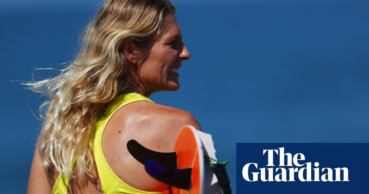 Stephanie Gilmore poised to pass Layne Beachley and become women's surfing 'GOAT' at Lower Trestles