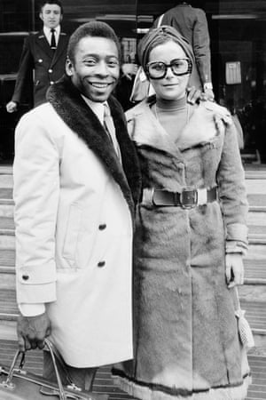 Pelé and his wife Ris arrive in London in March 1973 prior to the friendly between Fulham and Santos.
