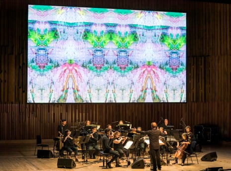 Colin Currie conducts Britten Sinfonia in Reich/Richter at the Barbican.