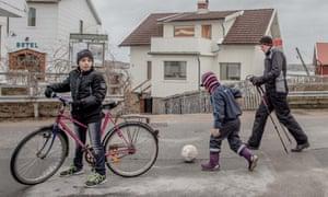 Children and Nordic walker