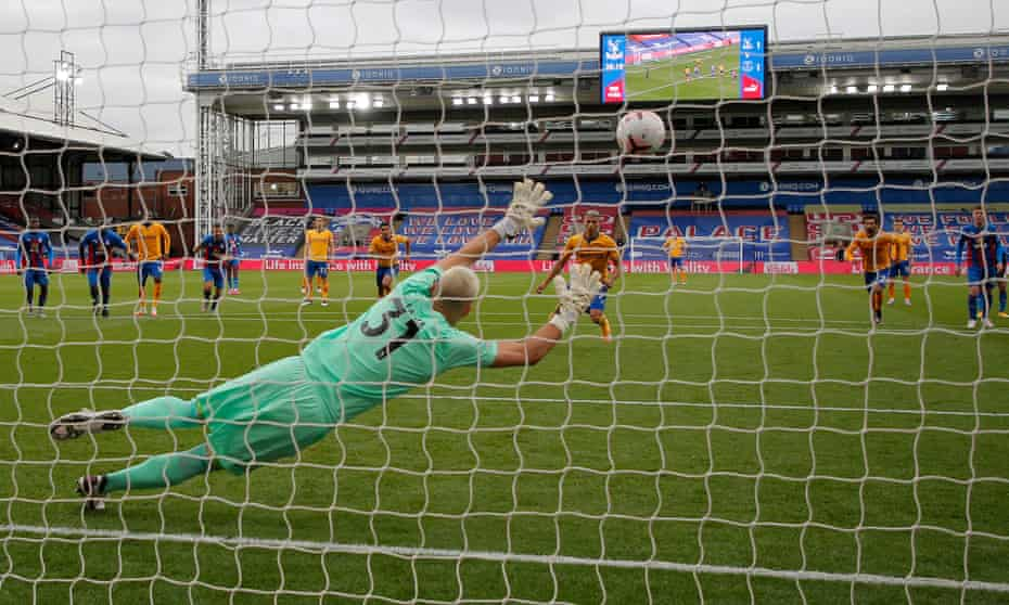 Richarlison fires home from the penalty spot to put Everton 2-1 up at Selhurst Park