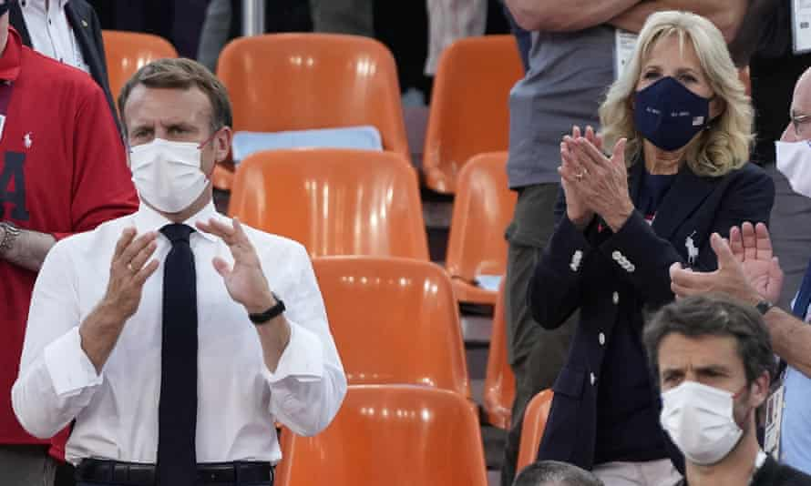 Emmanuel Macron and Jill Biden