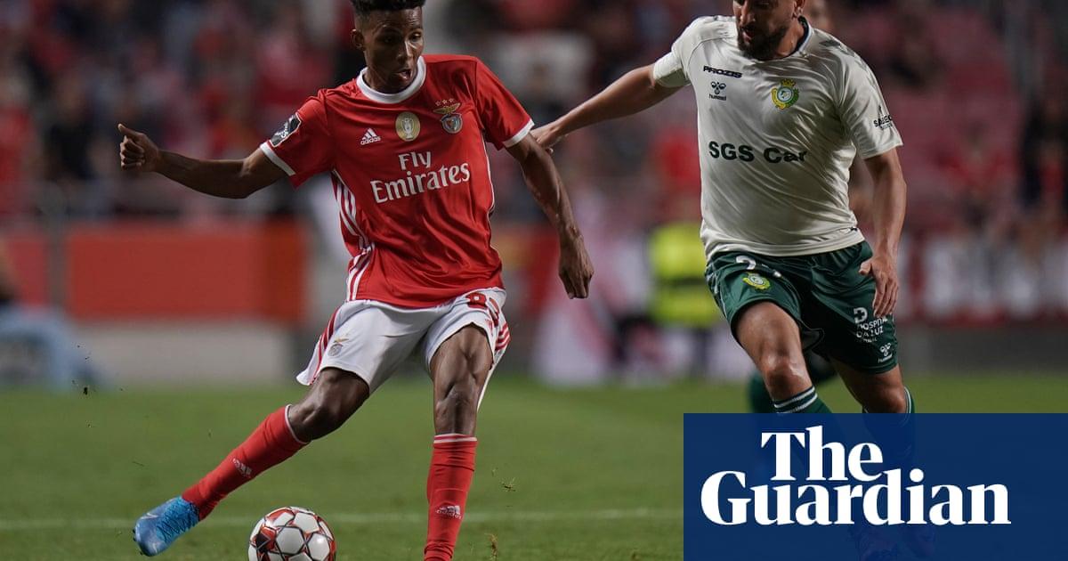 West Ham's loan move for Benfica's Gedson Fernandes stalls