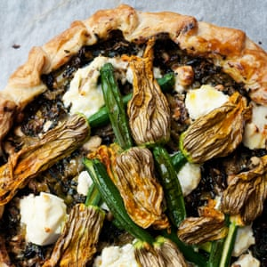 Corsican pie with courgette flowers.