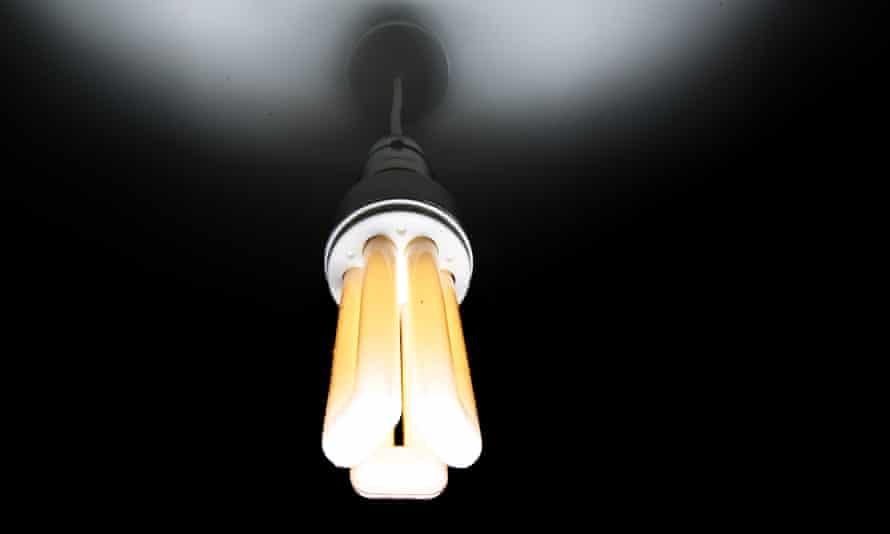 Energy-efficient domestic lightbulb