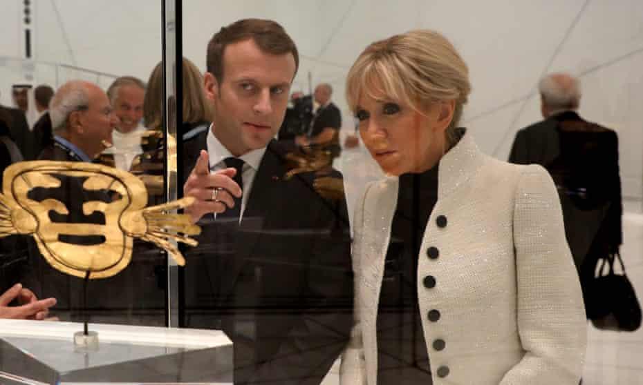 Emmanuel Macron and his wife Brigitte Macron at the Louvre Abu Dhabi museum.