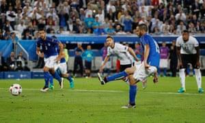 Leonardo Bonucci slots the ball past Neuer.