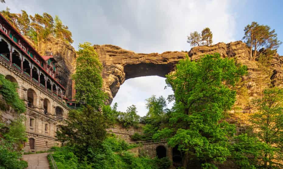 Pravcicka Brana, Europe's largest natural arch, Bohemian Switzerland National Park, Czech Republic, Europe
