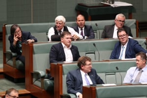 Cathy McGowan, Bob Katter and Andrew Wilkie from the cross bench vote with the government as it moves to bring on debate