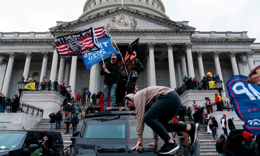 rioters outside capitol