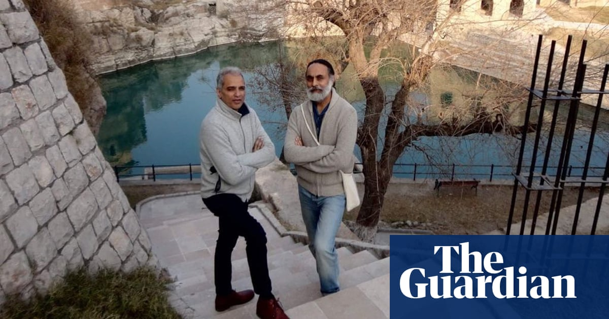 ' Our lives should be lived in the sunshine ': the couple fighting to legalise gay sex in India