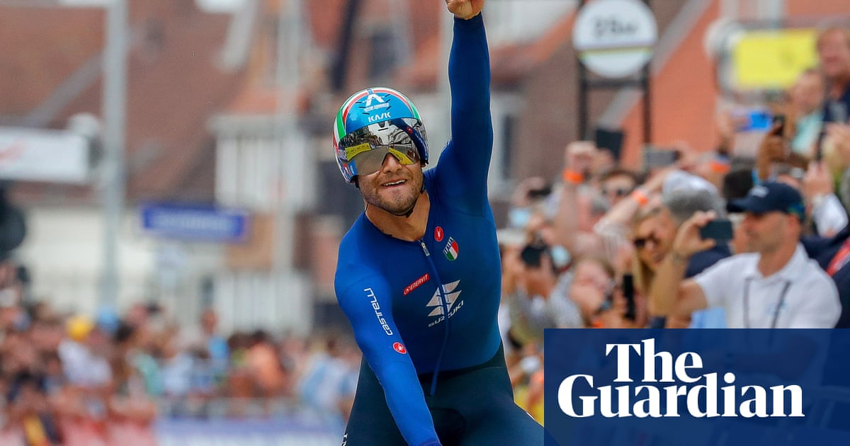 Filippo Ganna edges out Van Aert to win world championships time-trial crown