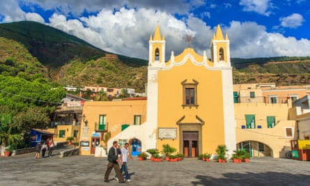 The village of Santa Marina, Salina.