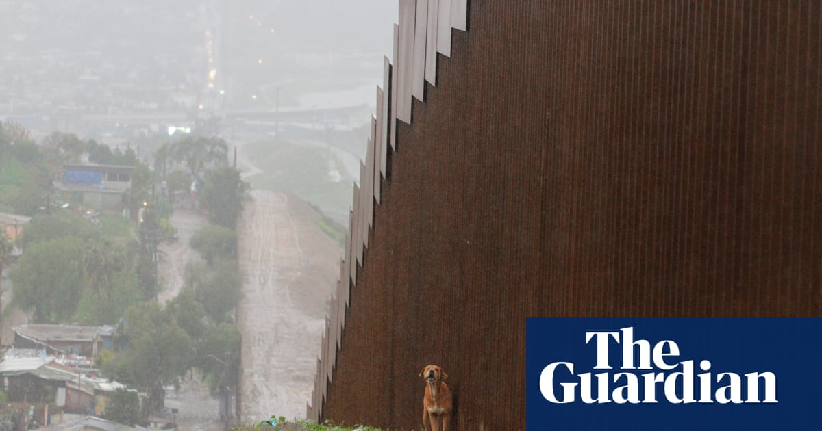Trump declares national emergency to build US-Mexico border