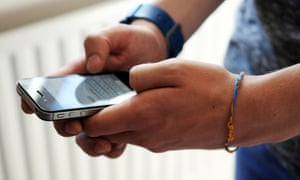 Smartphone now most popular way to browse internet – Ofcom