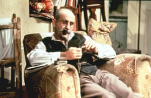 Mitchell as patriarch Alf Garnett in Till Death Us Do Part which ran for 10 years from 1965