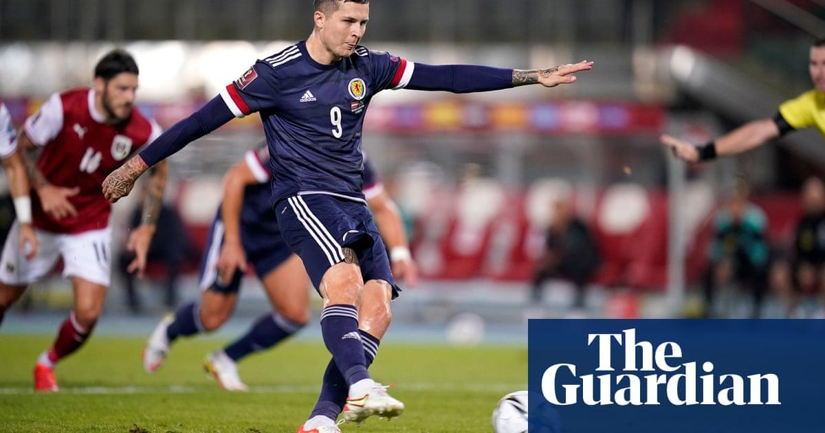 Lyndon Dykes penalty earns Scotland priceless away victory over Austria
