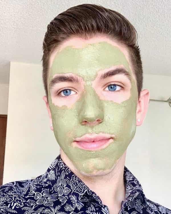 Nice mask… Yarbro checks out some product.