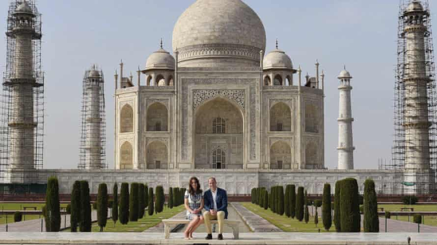 Prince William and Kate pose in front of the Taj Mahal in Agra