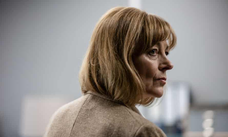 Pippa Haywood as Lorraine Craddock.