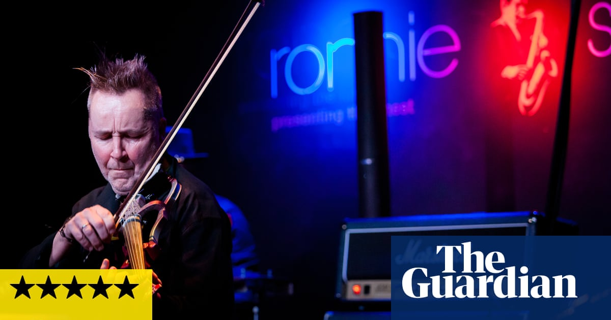 Nigel Kennedy: Bach Meets Gershwin review – rip-roaring and