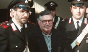 Totò Riina (centre) decided during Christmas dinner in 1991 to declare war on 'the mafia's enemies'.