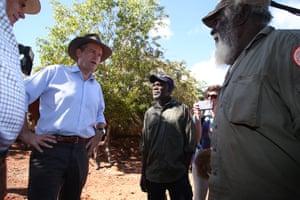 Bill Shorten visits Maningrida 500km east of Darwin on Friday