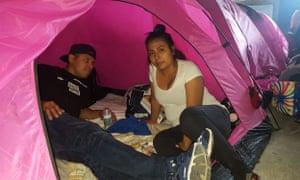 Josué Méndez and Leticia Palma, from San Salvador, at the Juventud 2000 shelter in Tijuana, Mexico.